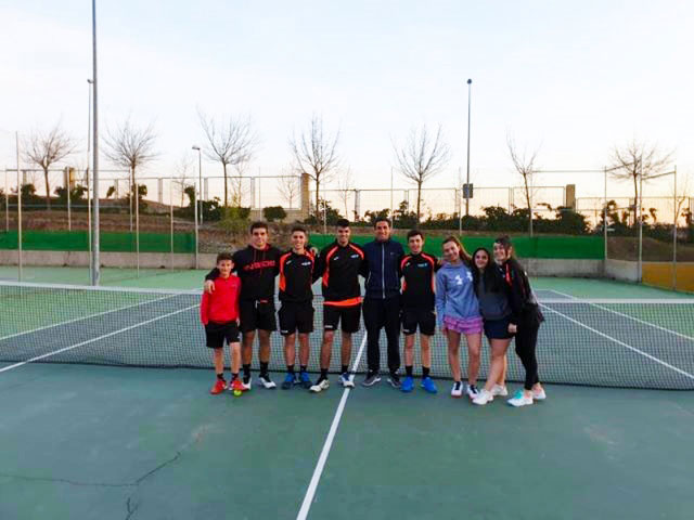 Equipo de competicion de tenis juvenil